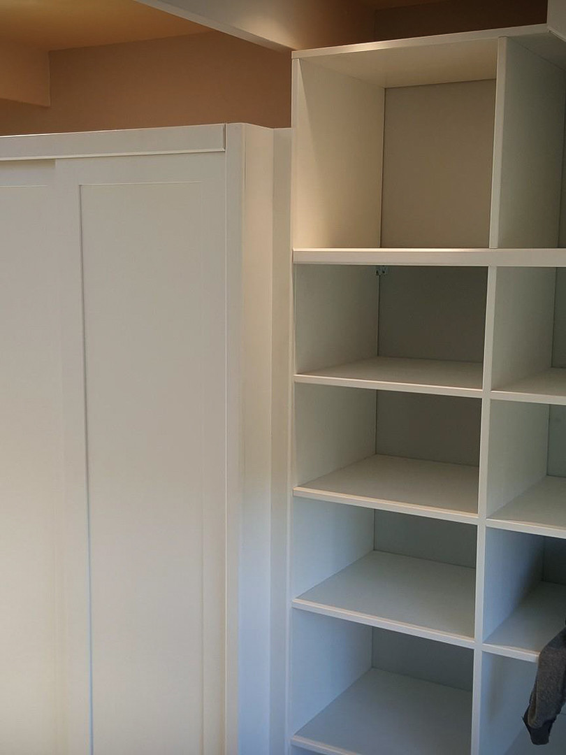 Bespoke Handmade Furniture : Built in Shelving Box Unit & Wardrobe