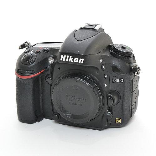 Nikon D600 (24.3MP) FullFrame DSLR Body