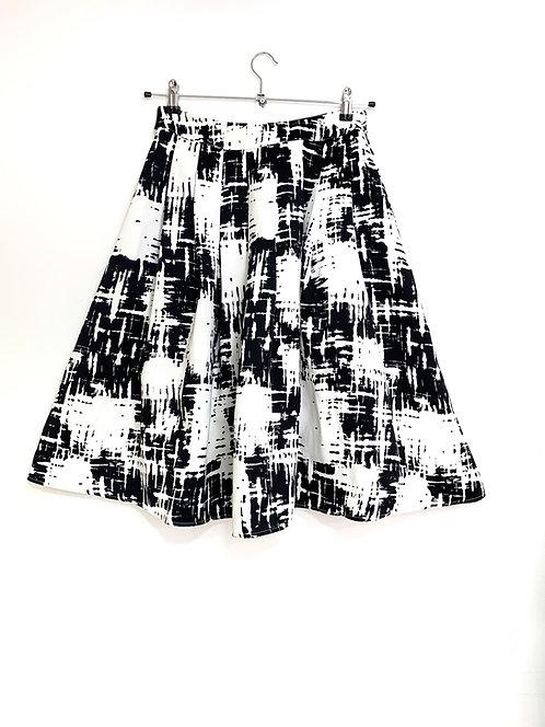 Castro Black & White Pleated Skirt Size 38