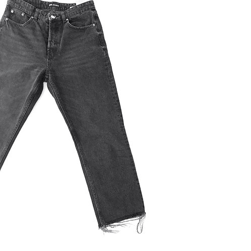 Zara Black Wash 3/4 Jeans Size 40