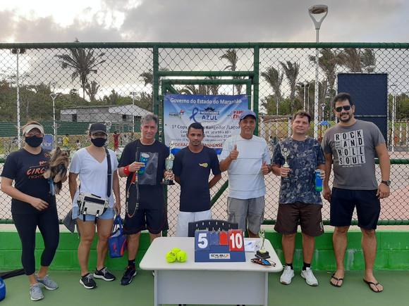 Torneio de tênis incentiva combate ao câncer de próstata