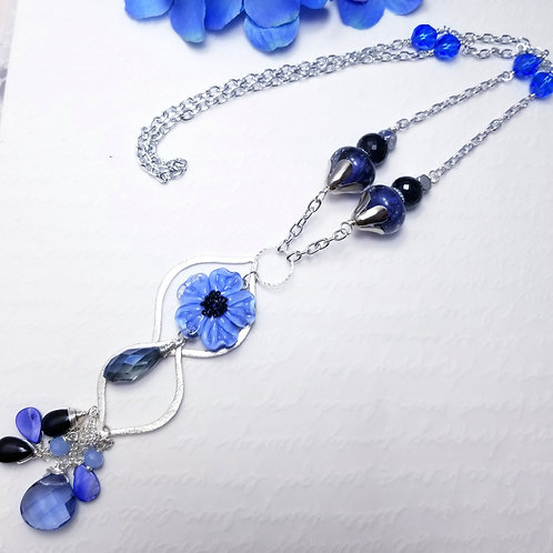 WInter Violets Blooming Peony Necklace