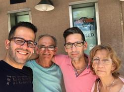 Damián Romero y Familia