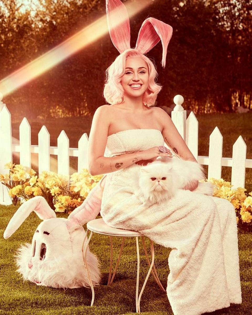 Miley Cyrus Easter 2018b