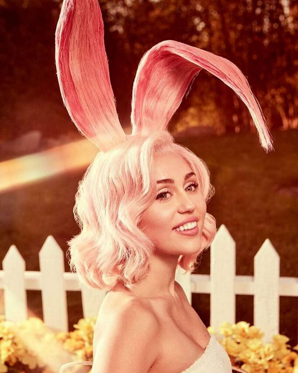 Miley Cyrus Easter 2018a
