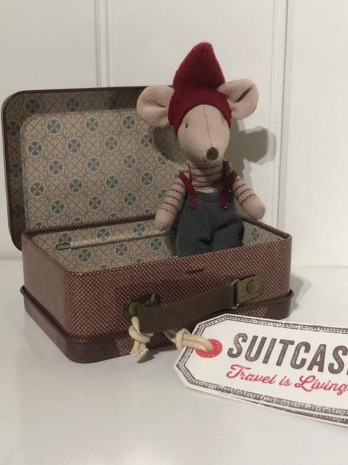 Julemus i kuffert dreng