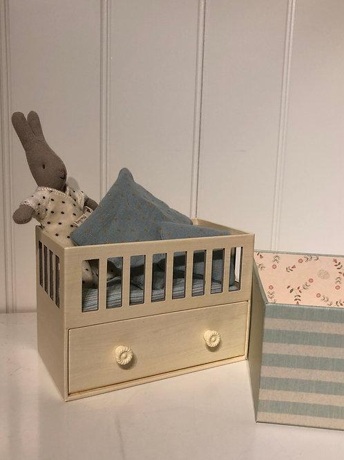 Baby room med micro rabbit