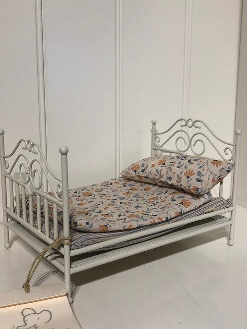 Hvid vintage seng