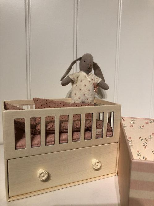 Baby room med micro bunny