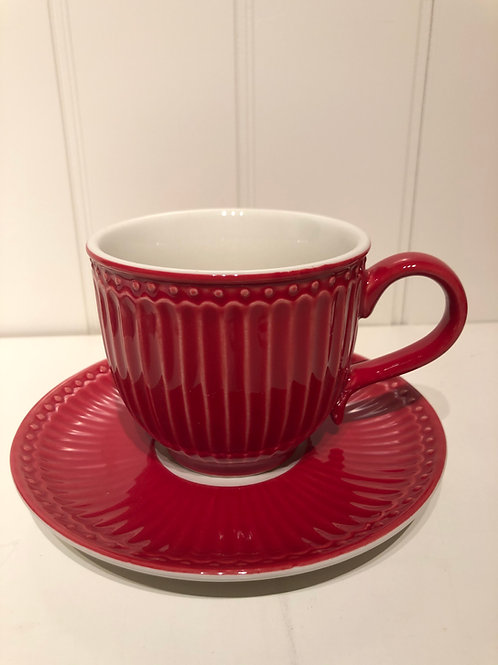 Cup and saucer alice red