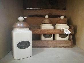 kitchen pots.jpg