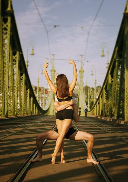 dance photography budapest Liberty bridge