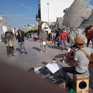 20190920_Alberobello (1)_website.jpg