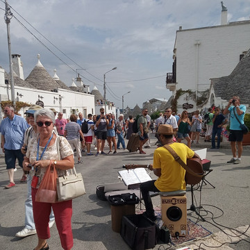 20190919_Alberobello (2)_website.jpg