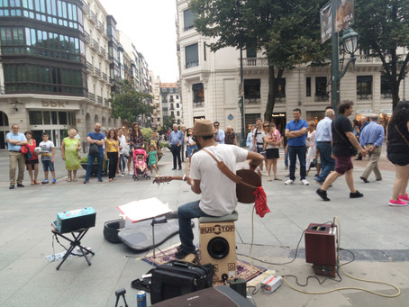 Macchina e Ostello (Bilbao)