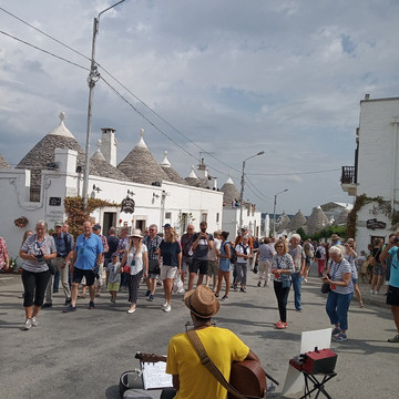 20190919_Alberobello (4)_website.jpg