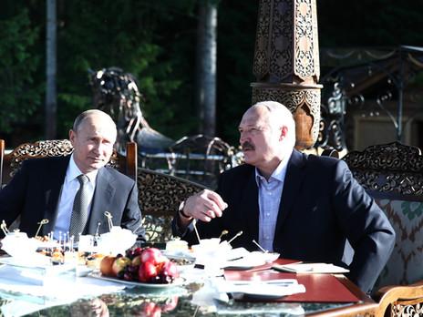 La semaine d'un grand homme Alexandre Loukachenko a la tête qui tourne