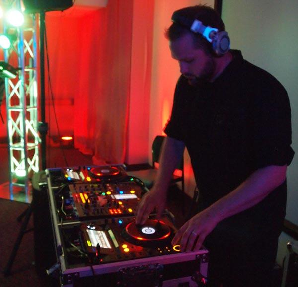 Ben DJs Live