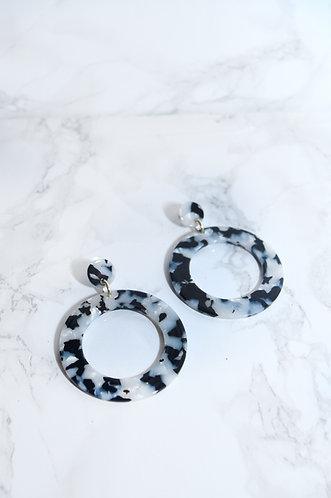 MARBLE HOOL EARRINGS