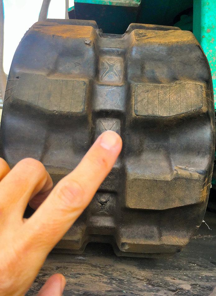 Relative drill rig tread size