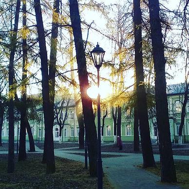 Рассвет над гимназией.jpg