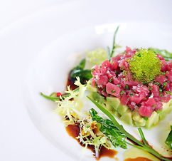 tuna%20tartar%205_edited.jpg