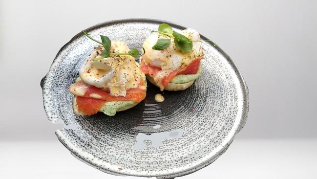 Salmon Egges Benedict,Bernese Sauce