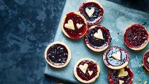 15 Crafts, Games and Bakes for kids this Valentine's Day!
