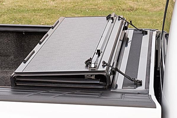 TG Hard Folding Tonneau 03.jpg