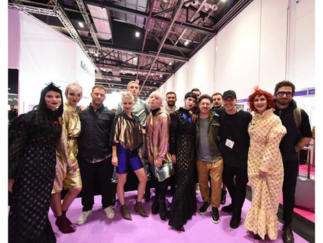 woMen/AW17 collection show la HJ International Salon si Noise London