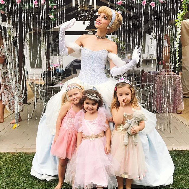 How cute are these little princesses! In