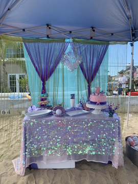 Glitz 'n glam on the beach!