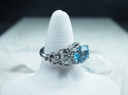 Knotwork Blue Topaz Fashion Ring