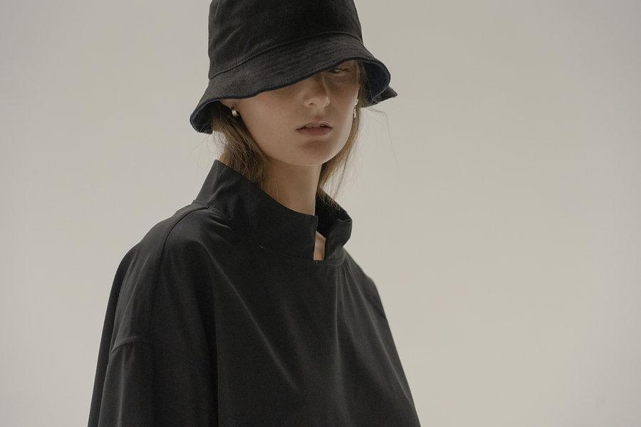 NONE STUDIO Unisexwear