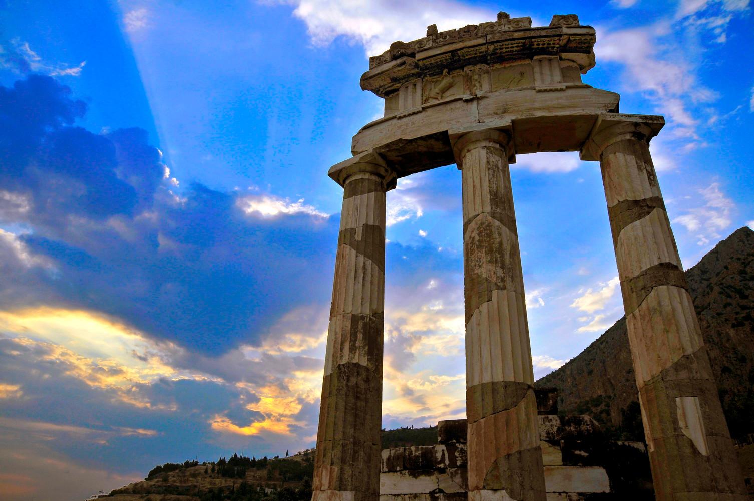 DELPHI / THOLOS OF ATHENAS