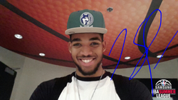Karl-Anthony Towns signed selfie