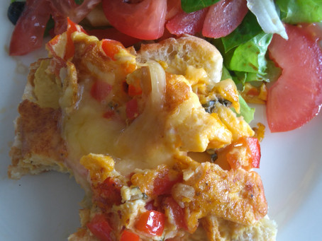 Treat yourself or your family with this delicious and fast food. Veggie omelette!