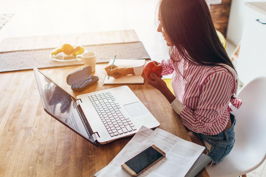 Lavorare da casa non è mai stato così semplice ed economico