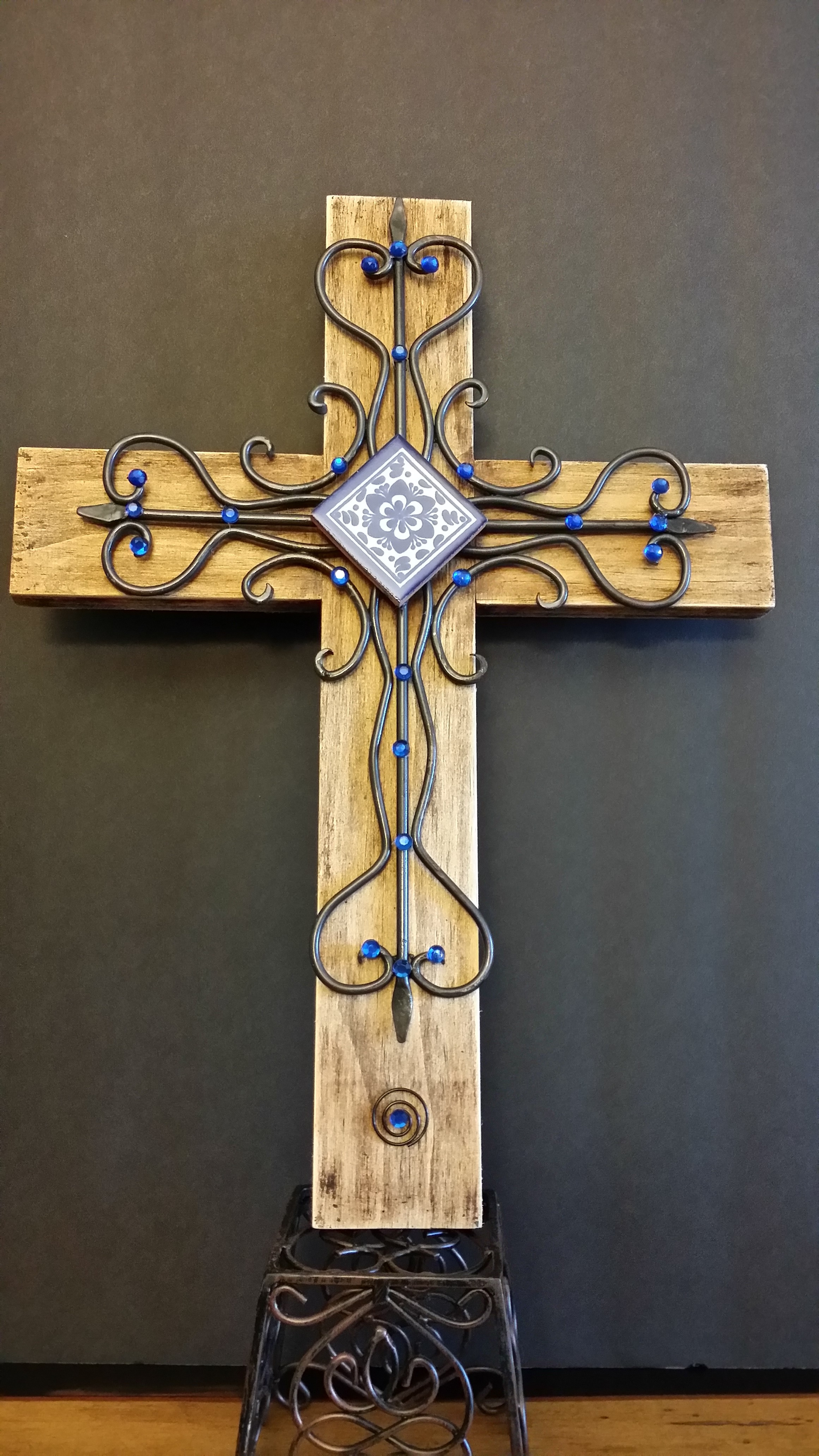 Wall cross -013