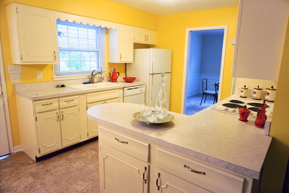 Vacant Staging - Kitchen