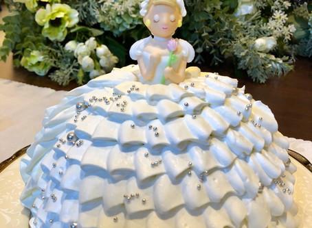 純白のプリンセスケーキ