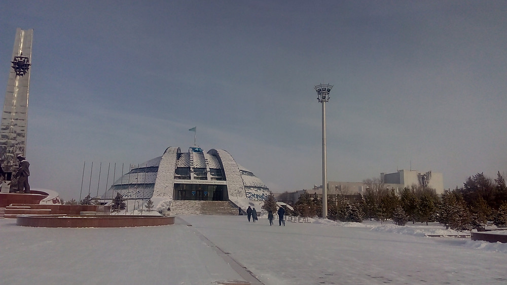 Мачта со стационарной короной, освещение музея имени первого президента (г. Темиртау)