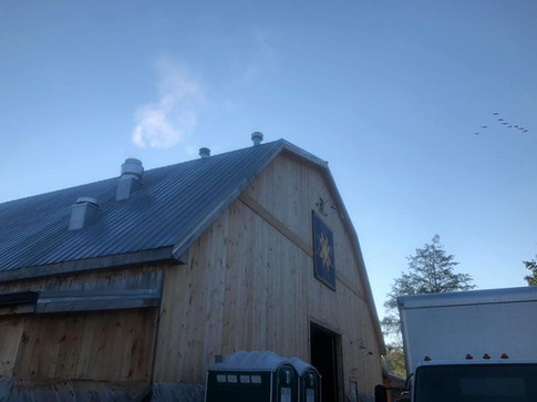 60x100 Gambrel with 8' sheds on both sides
