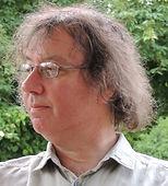 Cyrille Sutter, ancien professeur de SVT, éditeur et écrivain sarthois, créateur des éditions du Miroir Sans Tain