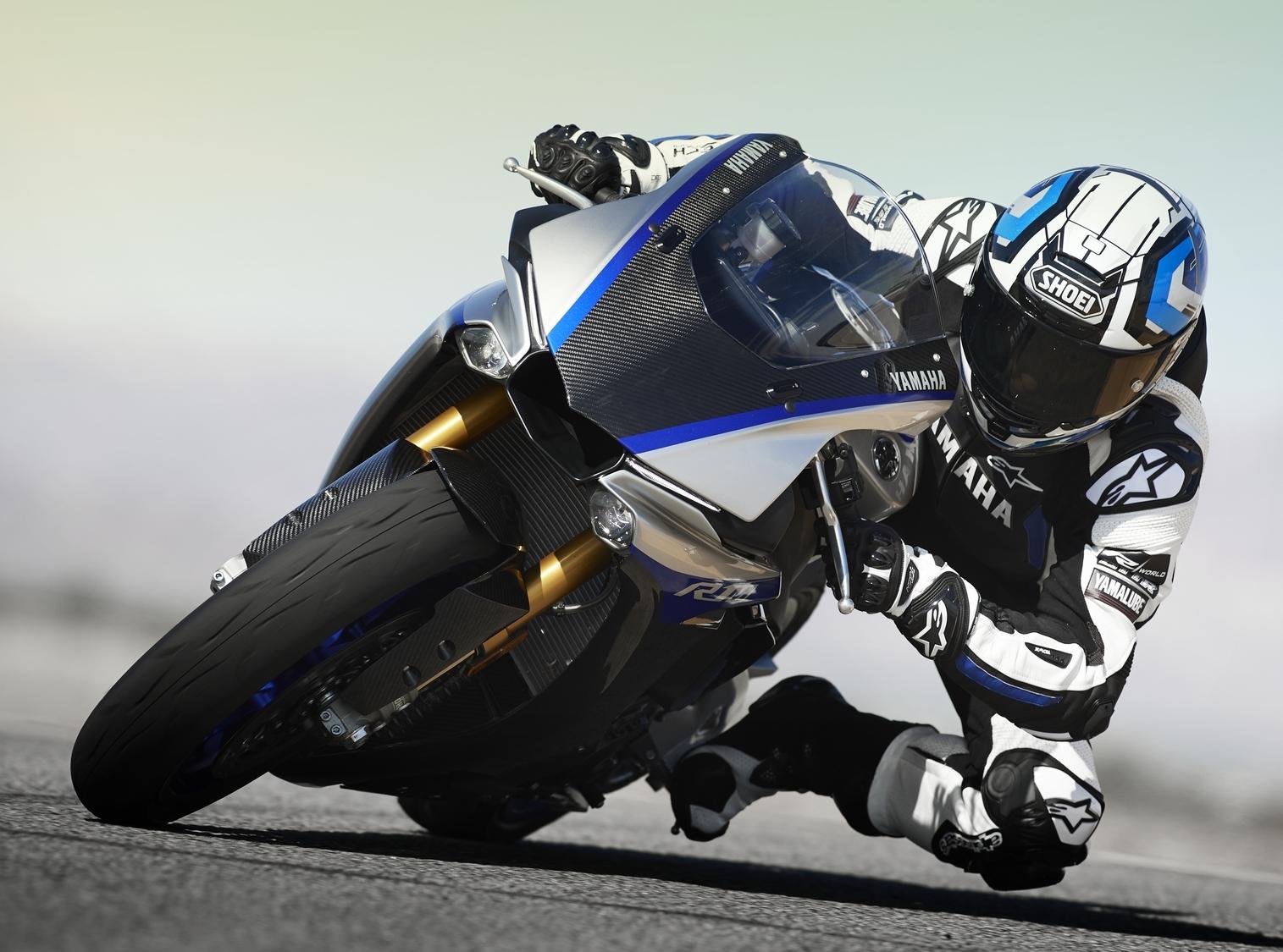 2019-Yamaha-YZF1000R1SPL-EU-Silver_Blu_C