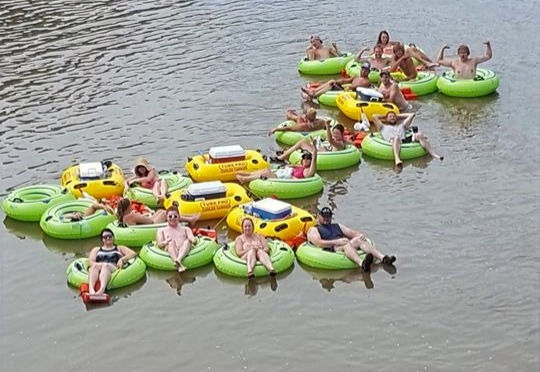 10:30am Saturday Float