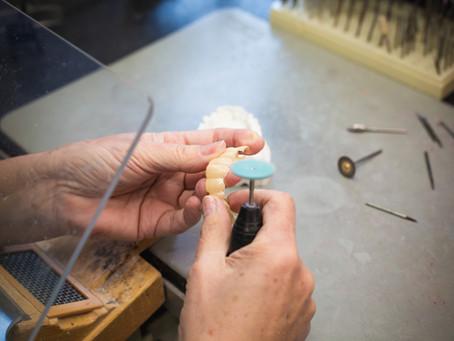 Zahnersatz aus eigenem Labor