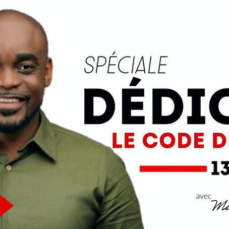 """Dédicace """"Le code de l'amitié"""" au Gabon"""