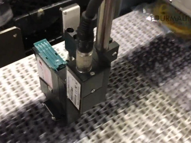 Sojet Elfin IIC - Coding Directly onto Poly Bags (Uneven Surfaces)