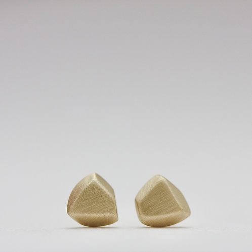 Chunk studs in 14k gold